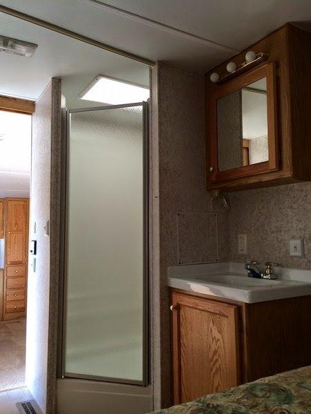 9-shower-sink
